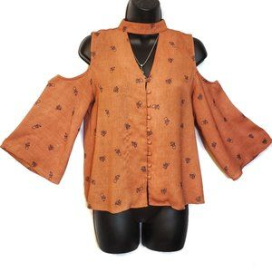 Sweet Wanderer Button-up Cold Shoulder Blouse - S
